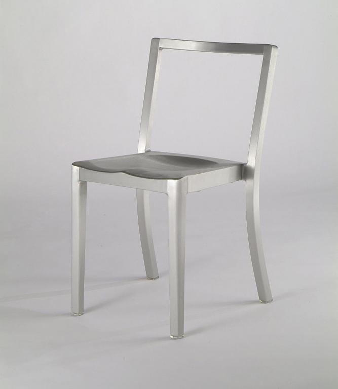 Dzięki swojej prostocie i niezawodności, krzesło 1006 Navy szybko zdobyło uznanie również wśród cywili. fot. ARC