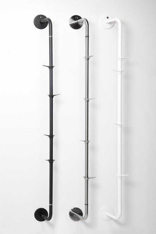 Poszczególne elementy są wykonane z mocnych kruszców  i lubią przylegać np. do ścian. fot. Materiały prasowe