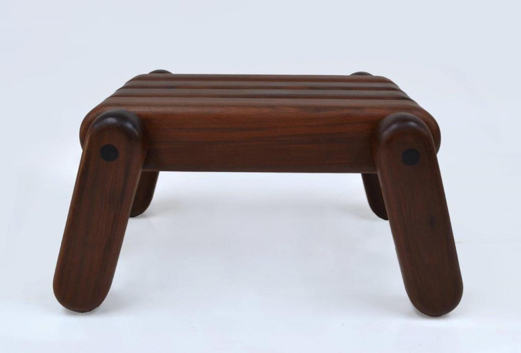 Kolekcja Inflated Wood powstaje wyłącznie z odsyzkanego materiału. fot. Materiały prasowe