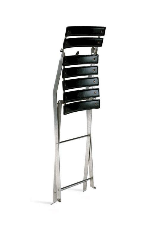 Konstrukcja powstała z nierdzewnej stali, natomiast siedzisko to nylon połączony z naturalną skórą.  fot. Materiały prasowe
