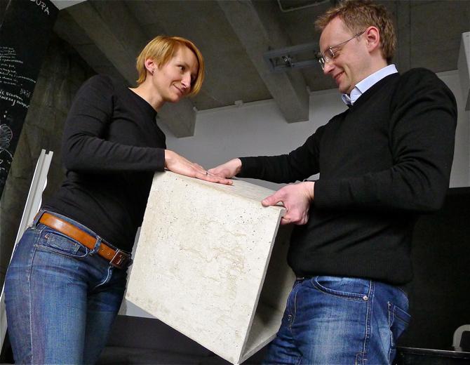 Sześcian Cube testują Ewa Trzcionka, redaktor naczelna