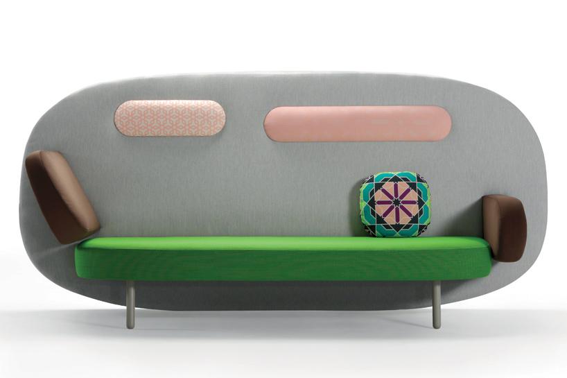 Float. Sofa jak rysunek