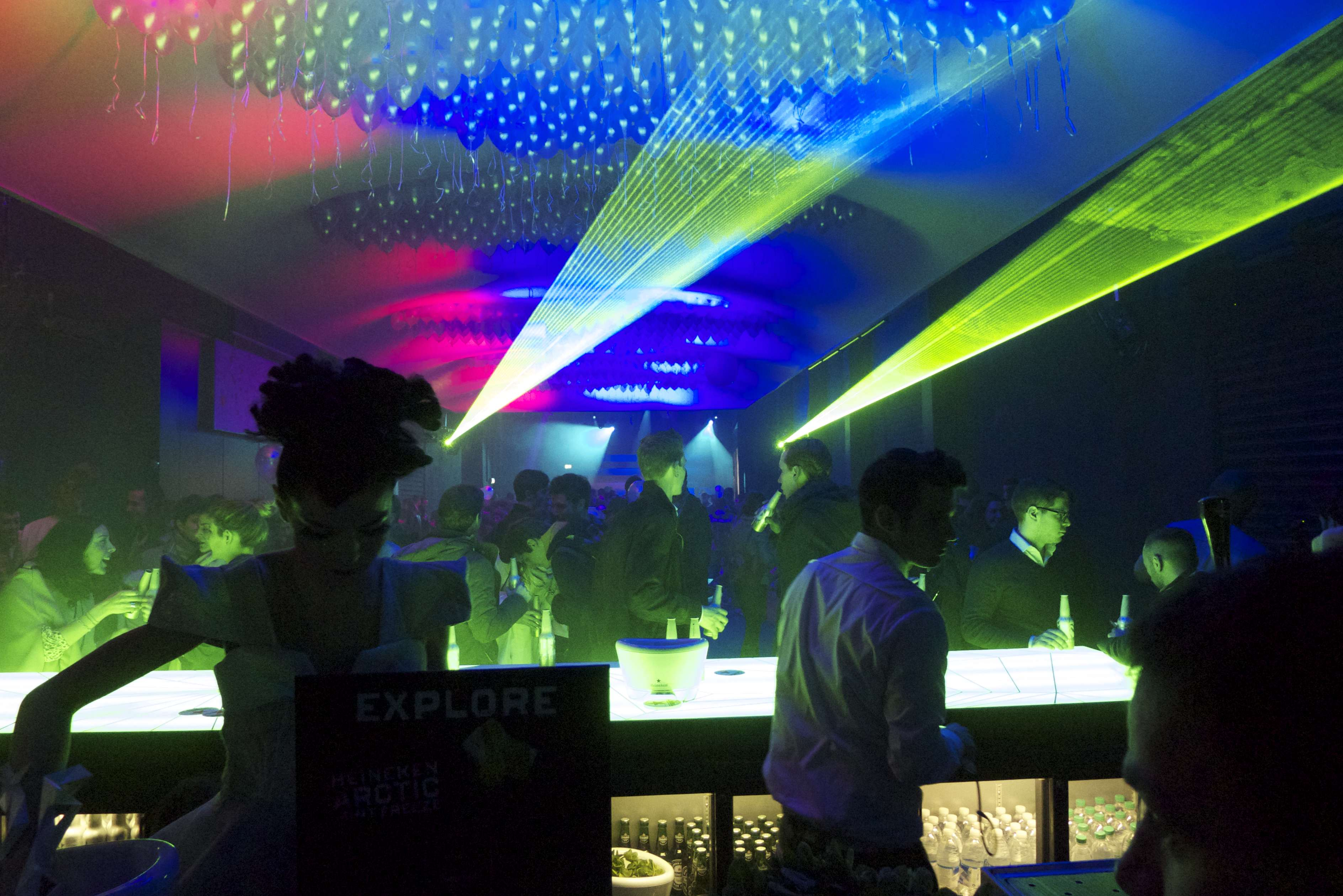 Stwórz futurystyczny lounge bar