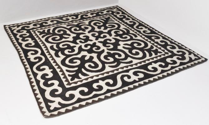 Umiejętność wyrabiania dywanów do perfekcji opanowali rzemieślnicy w Kirgistanie. fot. Materiały prasowe