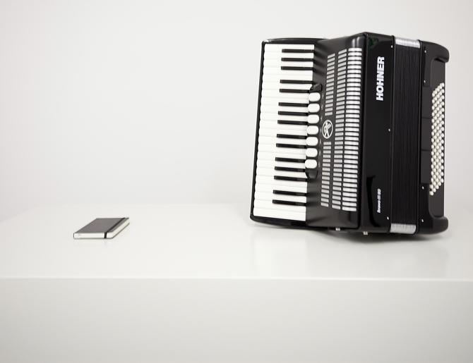 Konstantin Grcic: Mały, czarny kwadrat