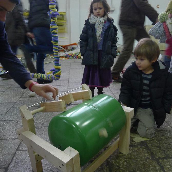 Trzecia nagroda trafiła również do autorów projektu Katarynki wykonanej z butli po gazie oraz drewna. fot. Materiały prasowe