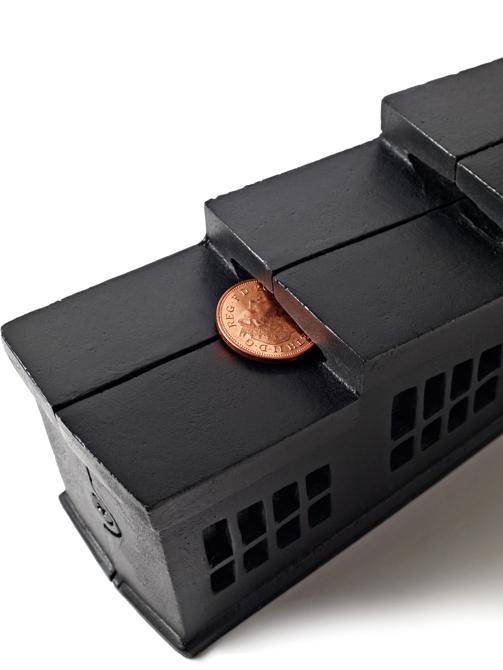 Skarbonka Cast Factory Black kosztuje ok. 110 funtów. fot. Materiały prasowe