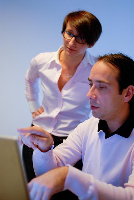 System identyfikacji DAA, oparty na statuetce, przygotował Bartłomiej Witkowski, grafik, dyrektor artystyczny magazynu