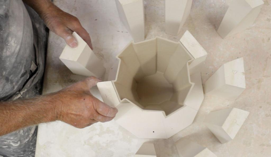 Lampę wyprodukowano w limitowanej edycji 100 egzemplarzy dla nowozelandzkiej marki Resident. fot. Materiały prasowe