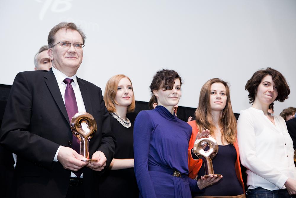 Od lewej: Ireneusz Sitarski - przewodniczący rady nadzorczej PESA, Eliza Ziemińska z