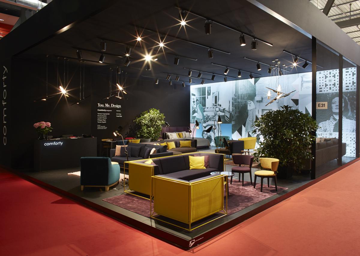 Firma po raz pierwszy pojawiła się ze stoiskiem na Salone Internazionale del Mobile.