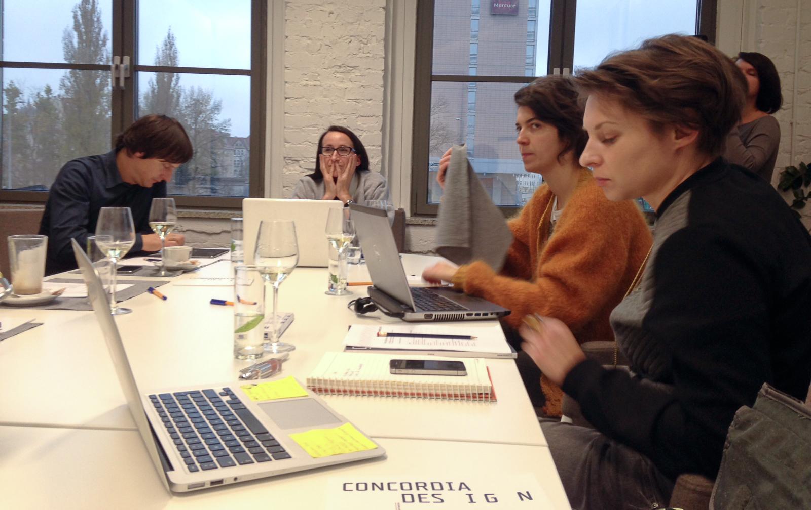 Kapituła Design Alive Awards w czasie obrad w poznańskiej Concordii Design.