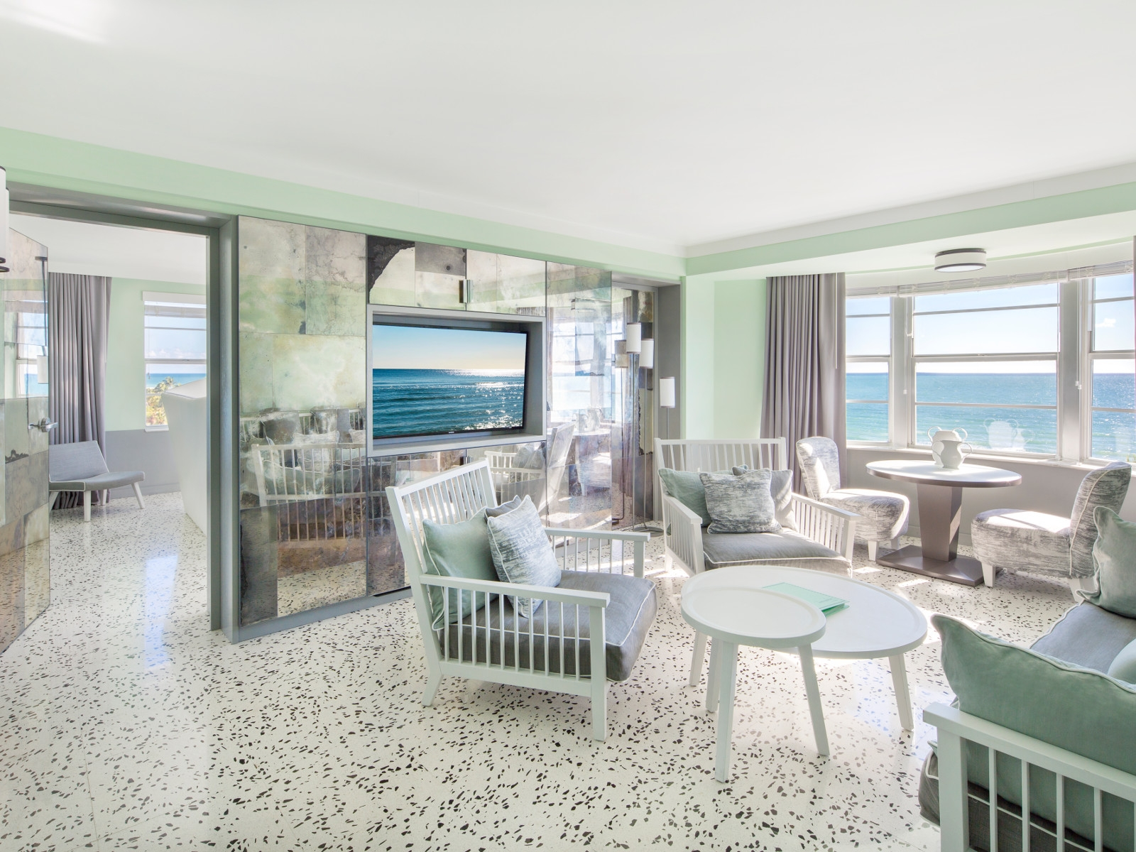 mm903_met_miami-6014_final_-_ocean_view_suite
