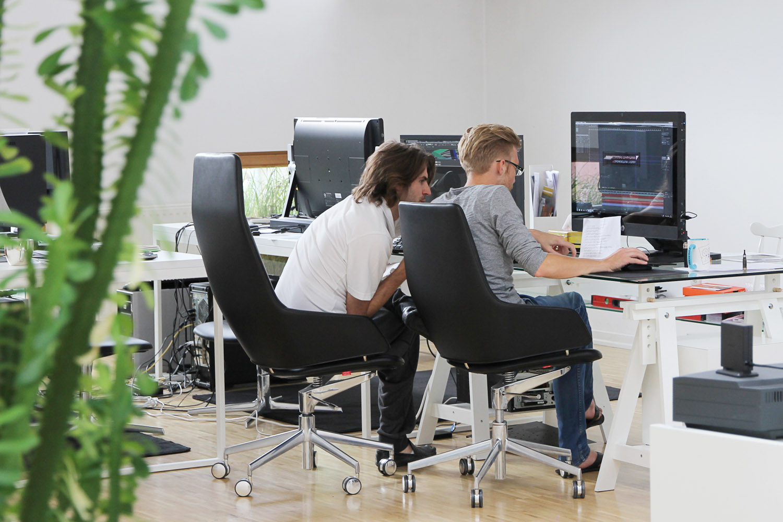 Jak urządzić domowe biuro? Przydatne rady i wskazówki