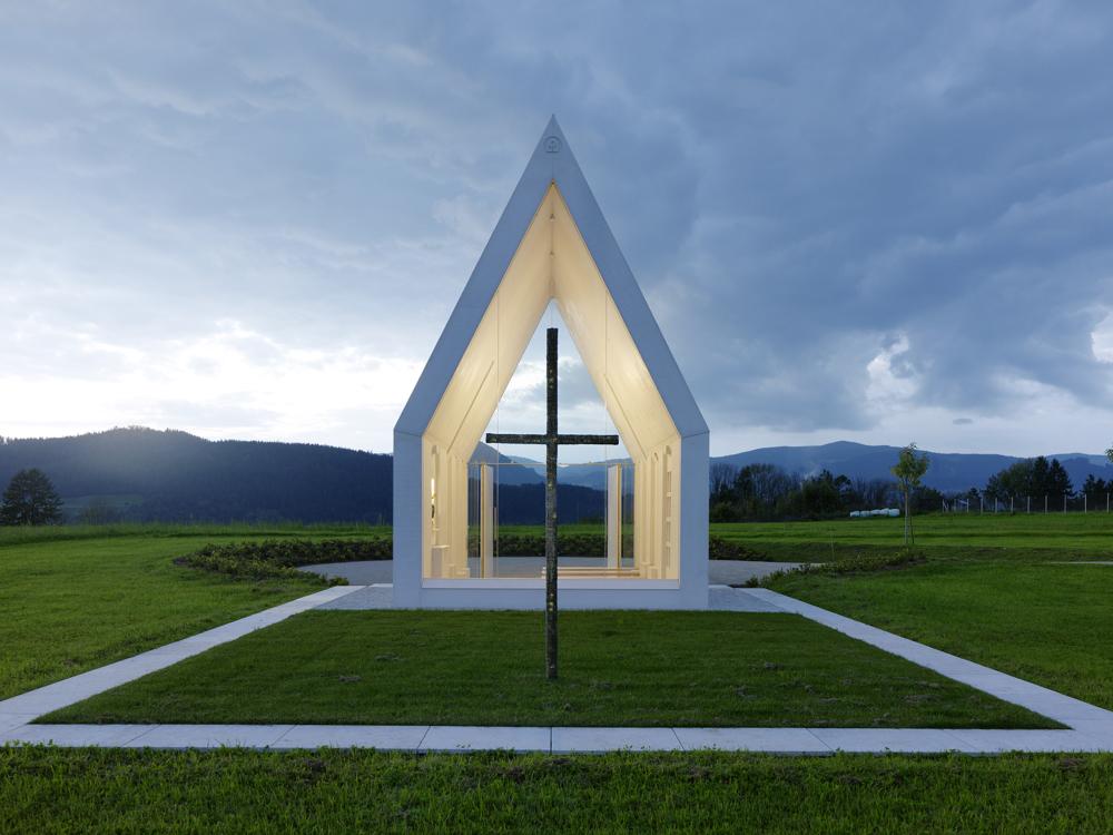 Sacrum bez granic. Niezwykła kaplica na winnych wzgórzach Austrii