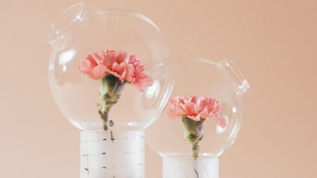 Zapach kwiatów w szklanej ampułce