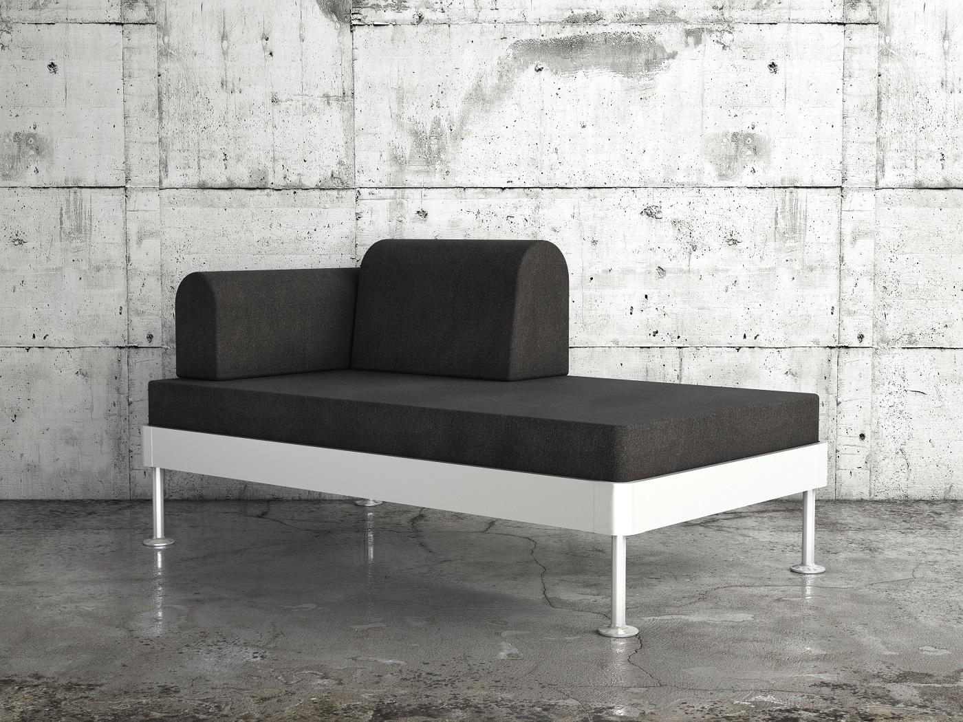 Sofę DELAKTIG można modyfikować i adaptować w zależności od potrzeb oraz różnych stylów wnętrza. Dzięki wyborowi pokrycia, dodaniu poduszek, lamp czy stolika montowanego z boku sofy, mebel może zyskać bardziej osobisty charakter.