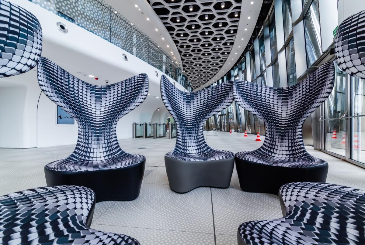 Wnętrza lobby biurowca Warsaw Spire. Projekt: Massive design.