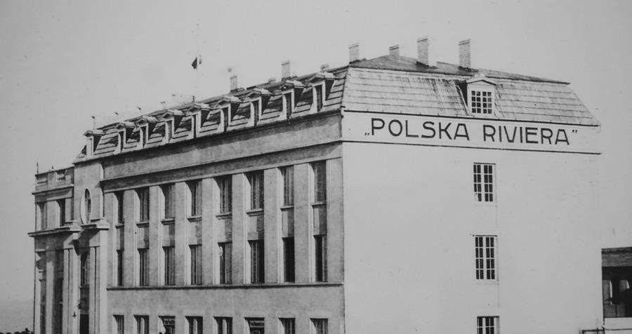 """Tym razem """"Design Alive"""" odkryje przed nami miejsce, które powstało w 1923 roku jako jeden z najpiękniejszych obiektów naszego wybrzeża – hotel """"Polska Riviera"""" ściągający nad Bałtyk spragnionych wypoczynku przedstawicieli twórczych elit."""