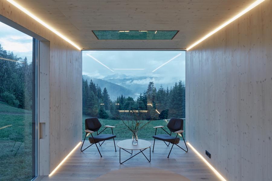 Inteligentny górski dom dla dwojga [zdjęcia]