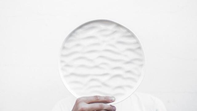 Porcelana i drewno. Wystawa polskich projektantów w Paryżu