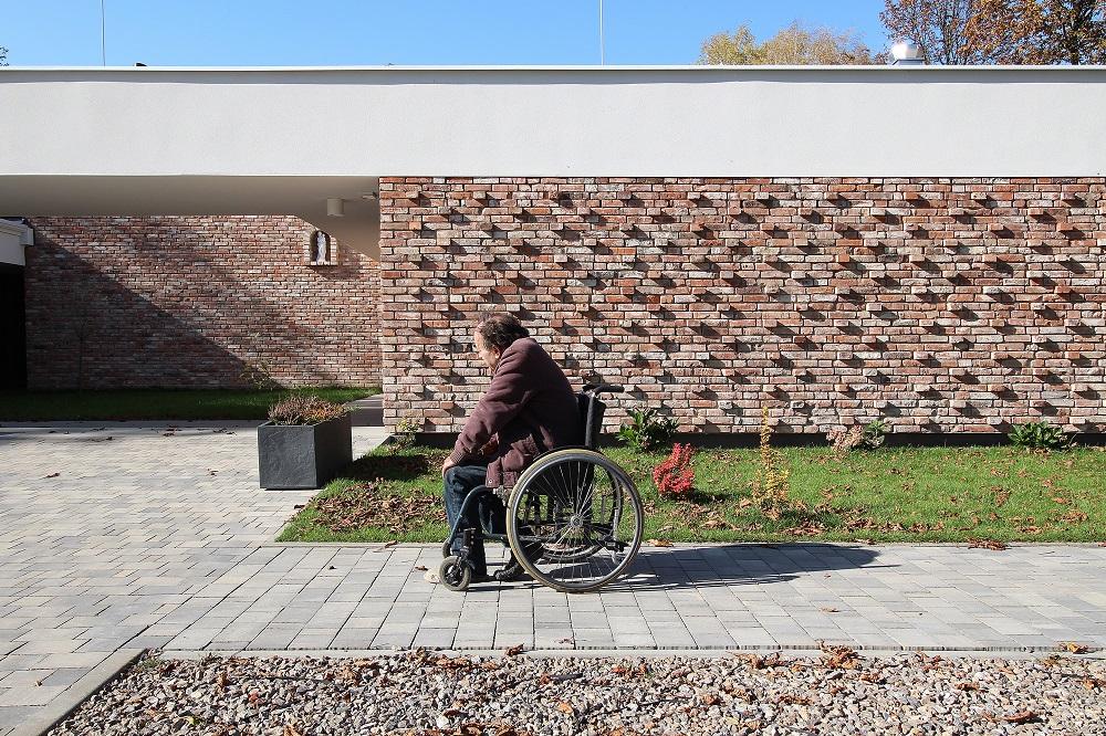 Architektura w służbie ludzkości: Dom dla Bezdomnych w Jankowicach