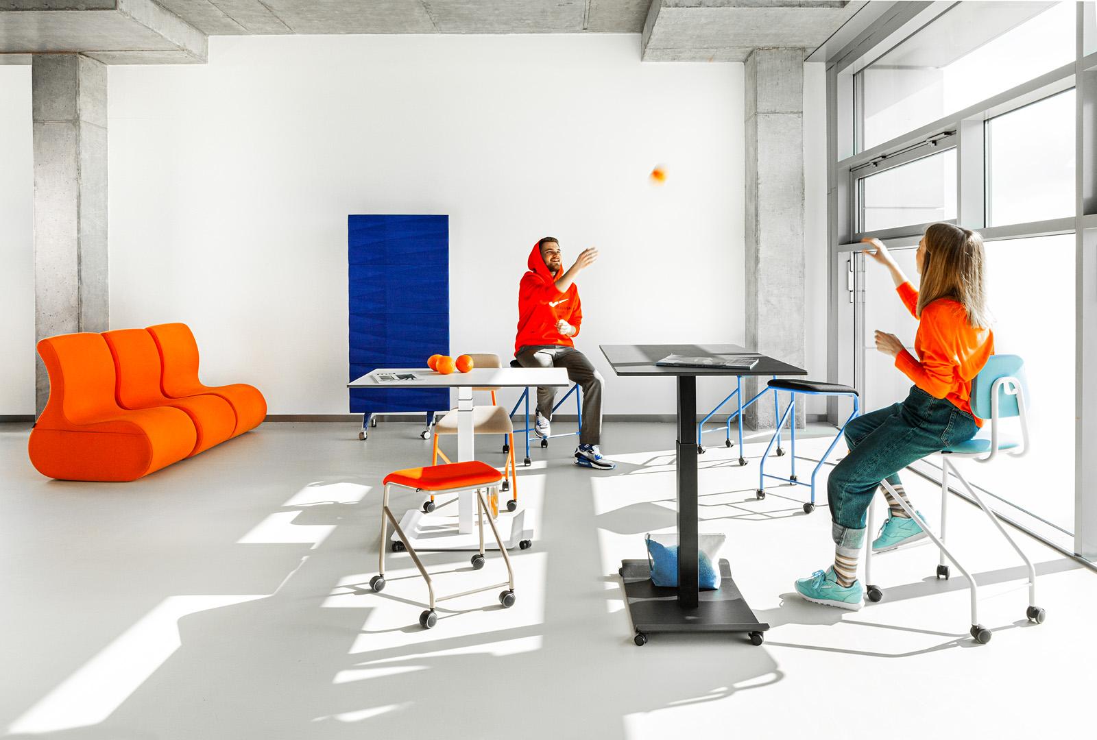 VANK przedstawia mobilne meble do szybkich spotkań