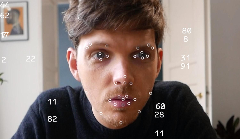 'Kolekcjoner Emocji' z wystawy Dane to emocje. Emocje to dane, zdjęcie: Ivy Go