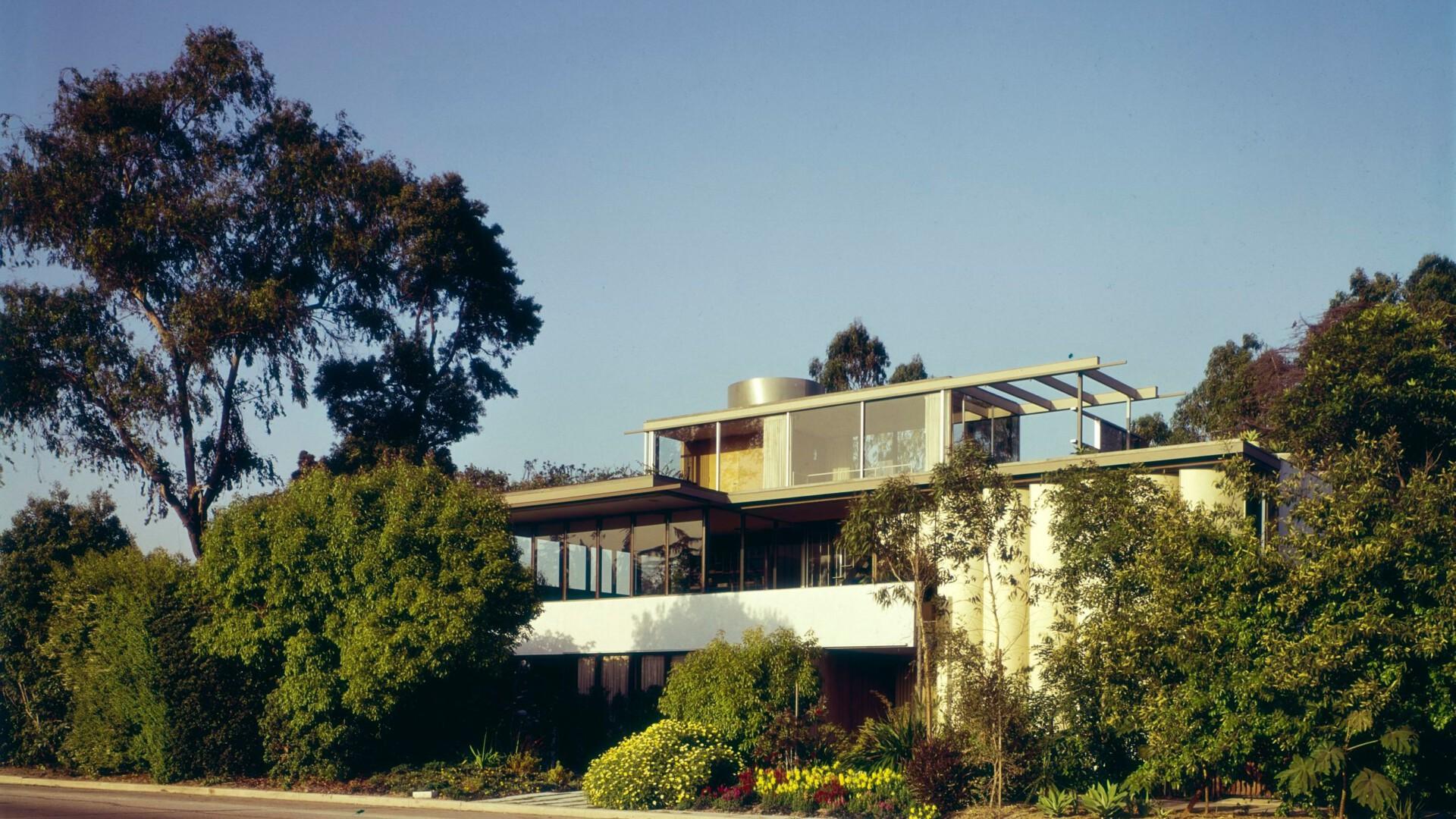 Richard Neutra swój dom własny wybudował jako rodzaj obiektu eksperymentalnego.