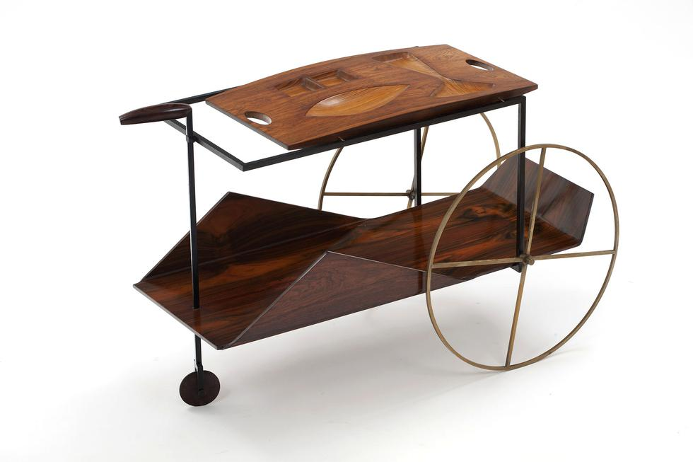 stolik do herbaty z kolekcji Any Pauli i Jose Luiza Vianna.