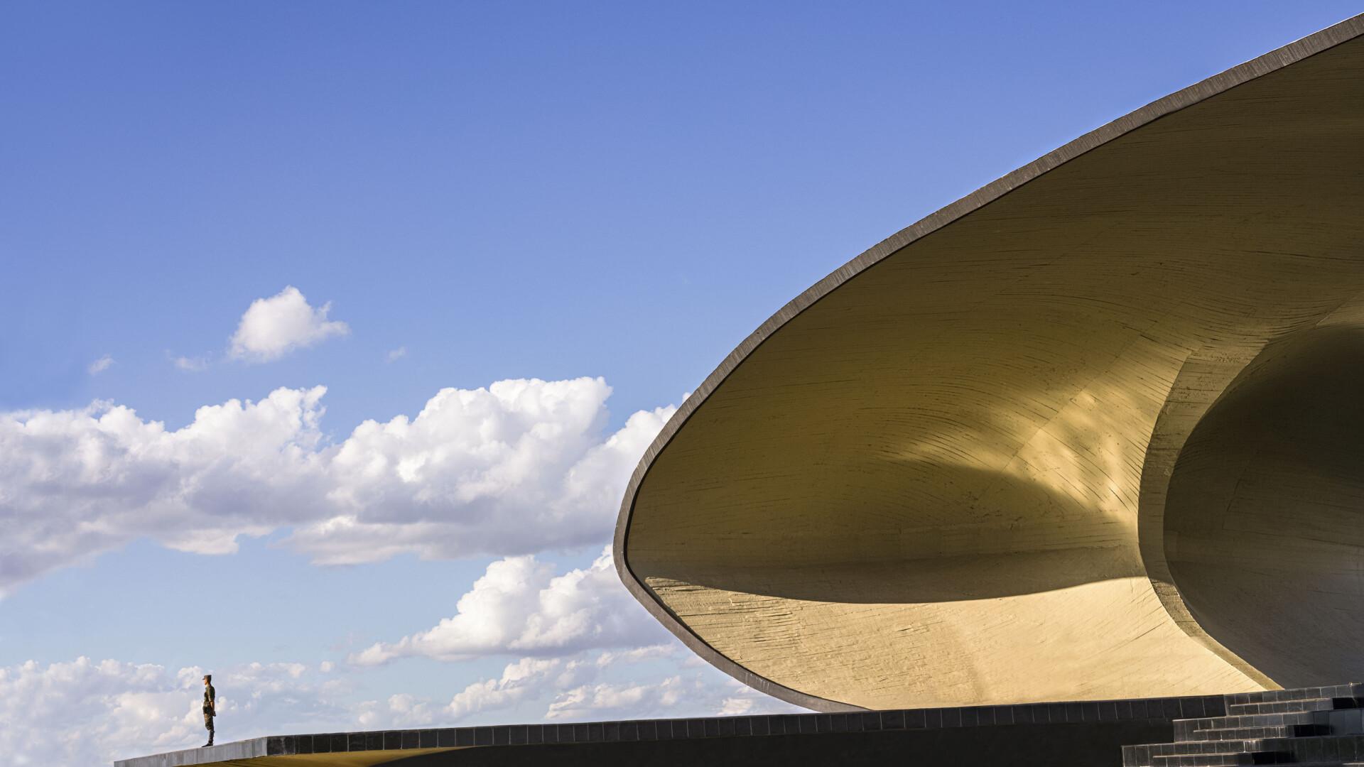 Vincent Fournier i jego hipnotyzująca podróż po modernistycznej Brasilii