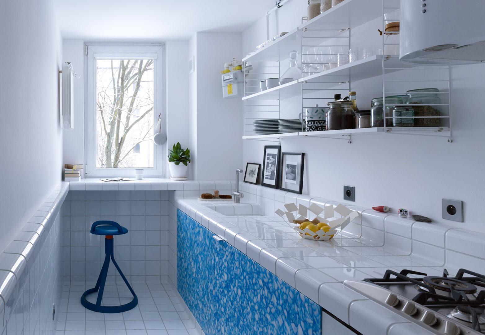 Laboratoryjny minimalizm na Mokotowie. To mieszkanie architekta