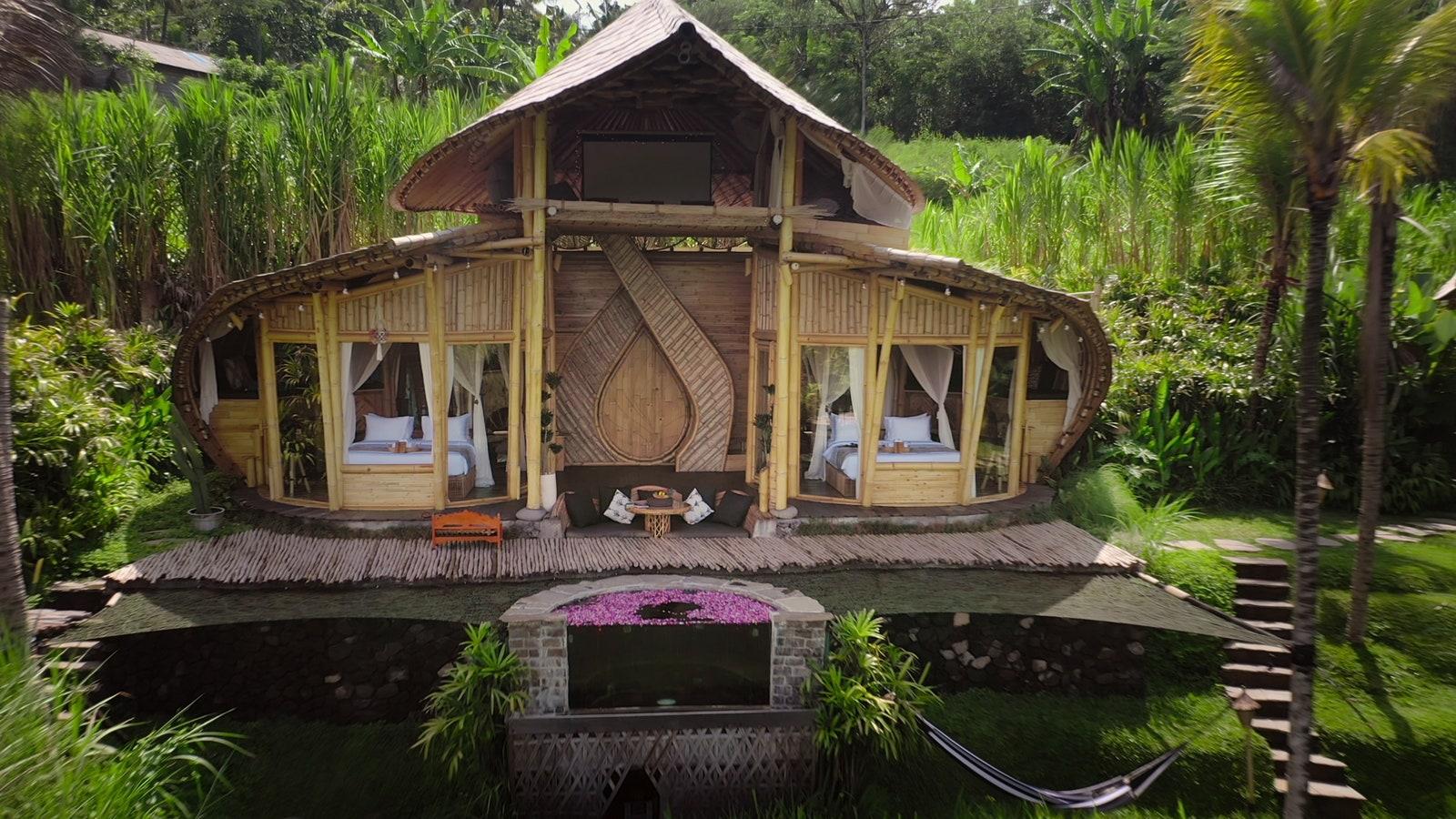 Jeden z domów, w których przebywała grupa, znajdował się na Bali.