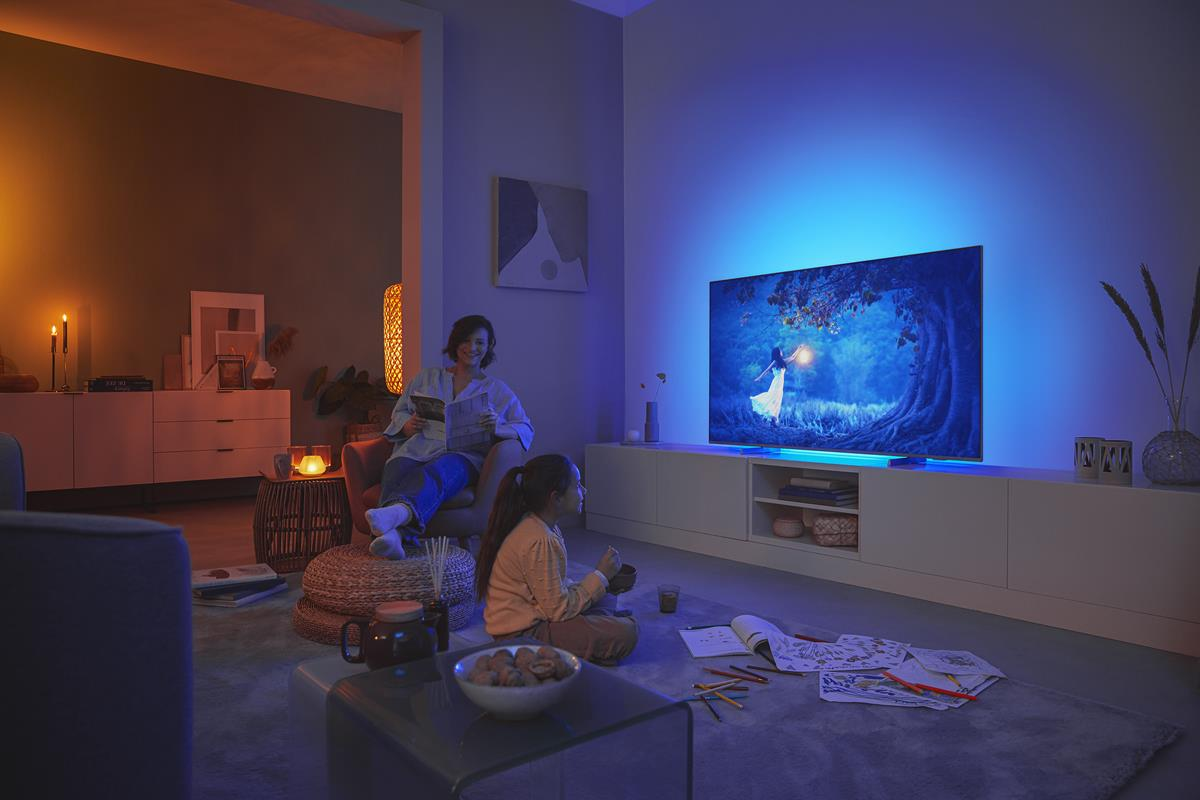 Ambilight – stwórz wyjątkowy klimat w swoim salonie